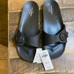 Abercrombie Adjustable Black Sandals